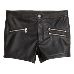 Faux Leather Black Silver Zippers Shorts Size 6